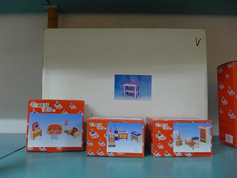 Badkamer Voor Poppenhuis : De verbouwing van een poppenhuis beurs eigen huis