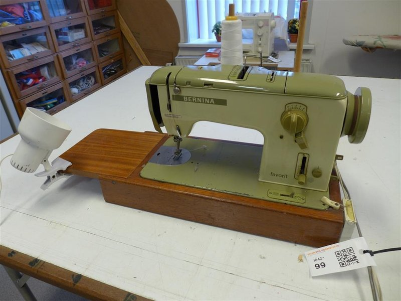 Naaimachine bernina 740 favorit voetpedaal for Machine a coudre 217