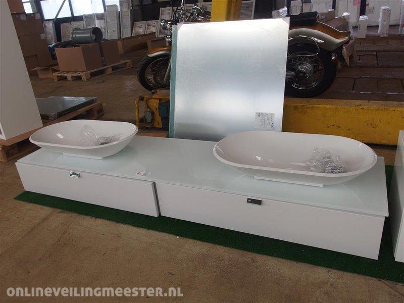 Badmeubel burgbad afm. ca. 200x55cm kleur wit; 2x wasbak; spiegel