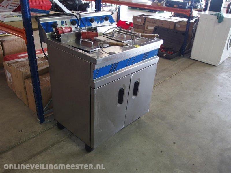 Dubble friteuse met aftapkraantjes, 380 volt - Onlineveilingmeester.nl