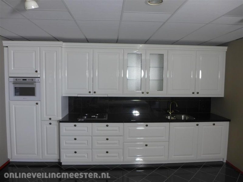 keuken h cker systemat av 5030 oud wit hoogg. Black Bedroom Furniture Sets. Home Design Ideas