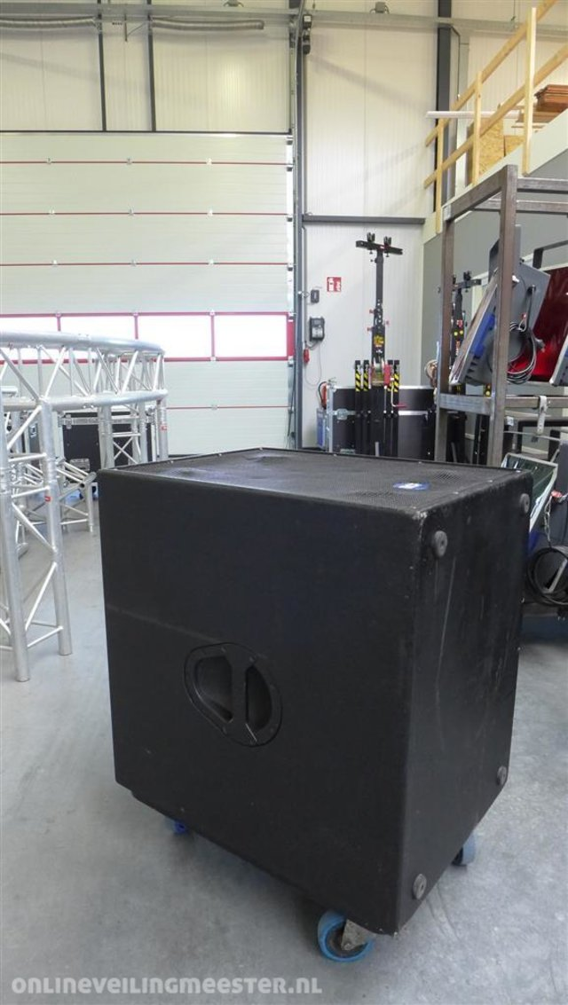0f7a2743cc4 Actieve subwoofer incl. transporthoes RCF, 8001-as, Zwart ...