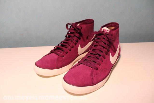 13 Paar Schoenen Nike, Adidas, Asics, Puma, Converse, diverse maten