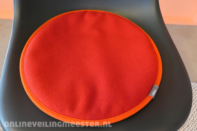 Vitra Eames Kussen : Design eetkamerstoel met kussen vitra eames eames plastic chair