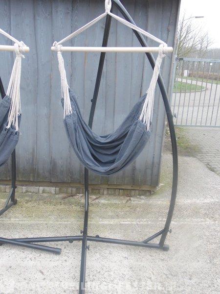 Staander Voor Hangstoel.2x Hanstoel Staander Met Hangstoel Zwart Grijs