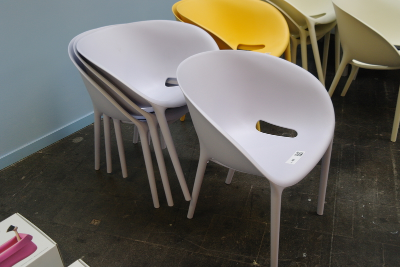 Design Stoelen Philippe Starck.4x Stapelbare Stoel Soft Egg Van Philippe Starck Voor Driade