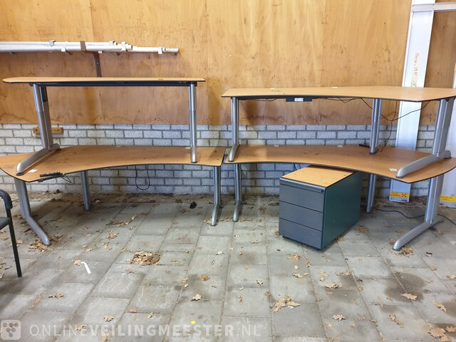 Approx 13x Various Office Furniture, Office And Furniture