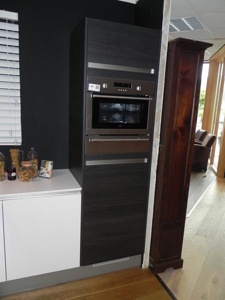 Greeploze keuken vaatwasser greeploos keuken grijze keuken greeploos wit design t - Model keuken wit gelakt ...