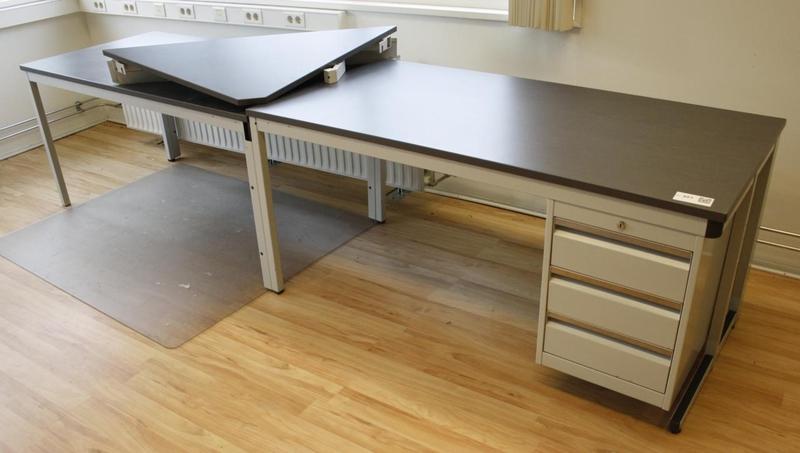 Bureau metaal met houten werkblad en ladeblok for Ladeblok metaal