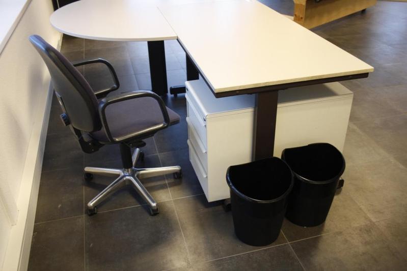 Bureau spreektafel afm lxbxh ca 240x160x76 for Ladenblok op bureau