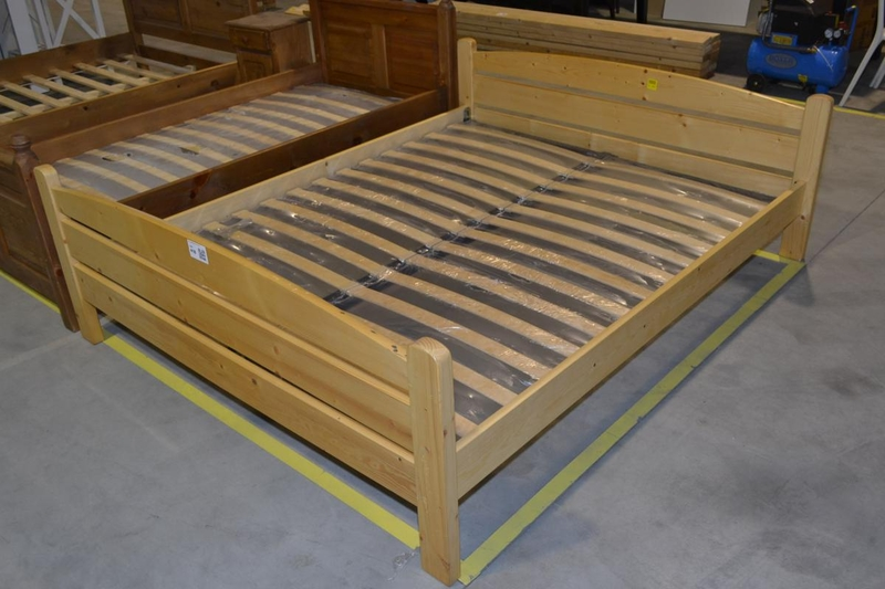 2 persoons bed massief hout afmeting lxb ca. 200x160 cm incl