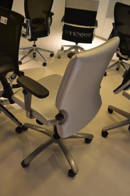Comforto Bureaustoel D7783.Bureaustoel Comforto D7783 Kleur Zilver Onlineauctionmaster Com