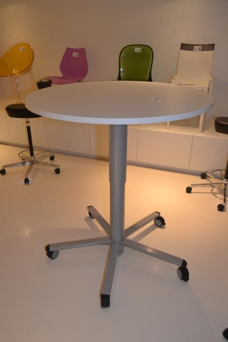 Verrijdbare ronde tafel in hoogte verstelbaa for Tafel hoogte