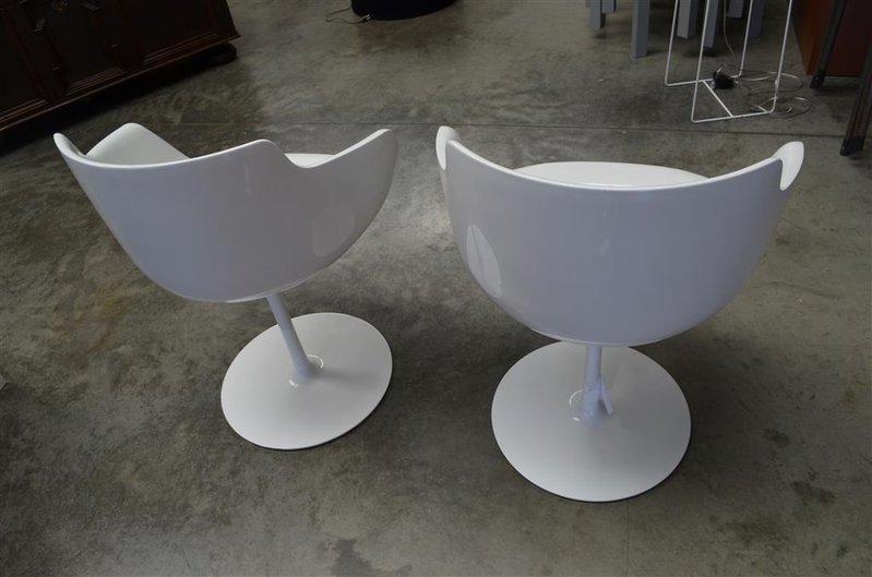 2x design eetkamerstoelen flow voorzien van zachte kunststof kuip