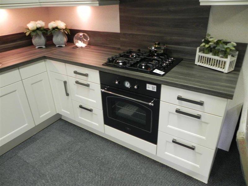 Witte Keuken Zwart Werkblad: Rudy`s over italiaanse design keukens e d ...