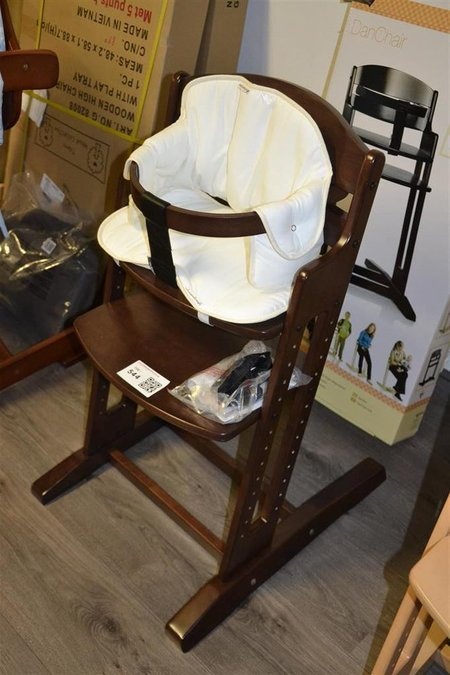 Baby Dan Meegroeistoel.Meegroeistoel Kinderstoel Happy Baby Dan High Chair Hout Kleur Donker Bruin Incl Beugel En Tuigje