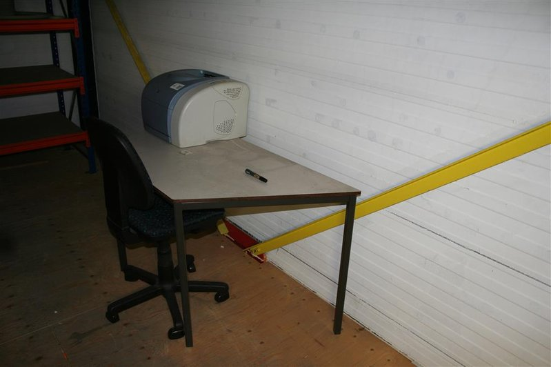 Tafel Voor Printer : Tafel bureaustoel printer hp colorlaserjet l