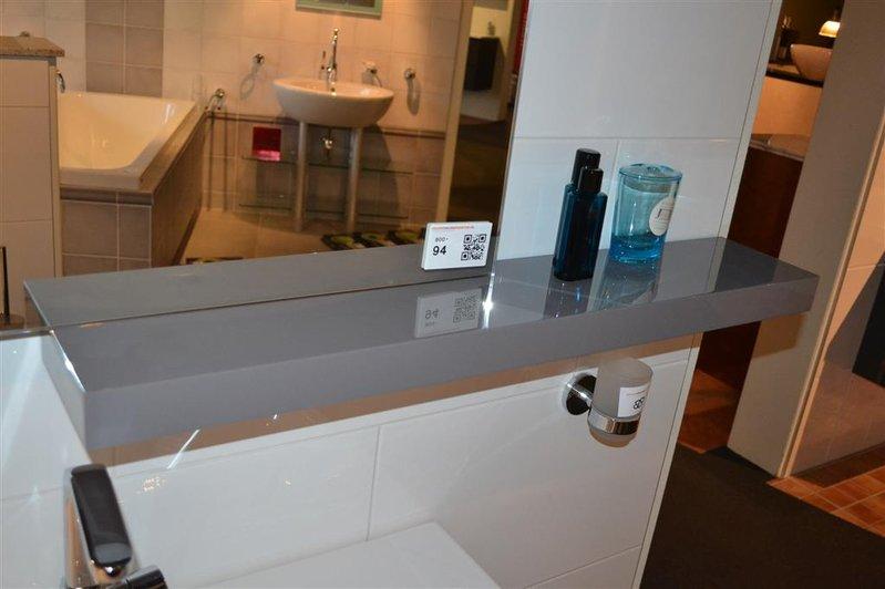Spiegel voorzien van verlichting inclusief plank ...