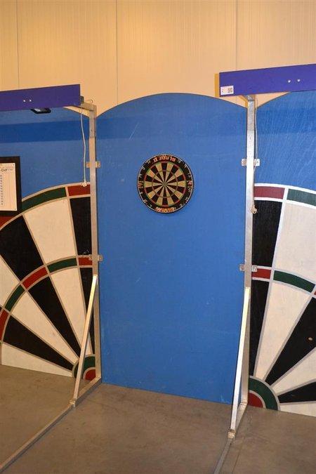 Dartbaan, bestaande uit 4x staander; 3x wandbord; dartbord ...