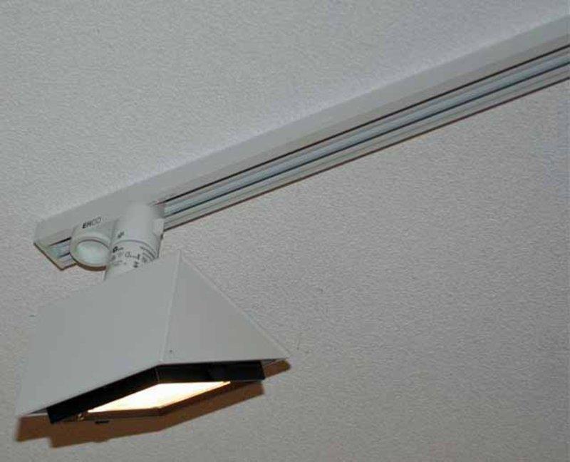 2x Plafondrail Erco, met elk 4 spots, lengte ca. 400cm ...