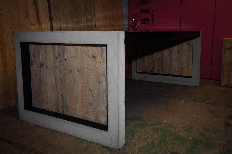 spoeleiland betonstaalhoutkoper inclusief ledverlichting en kraan