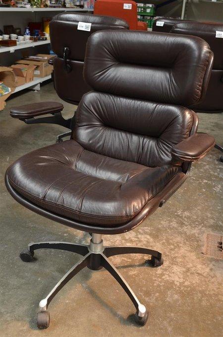 Bureaustoel leder vintage jaren 39 70 met ge for Bureaustoel vintage