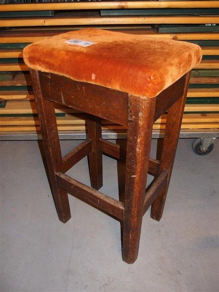 Fabulous excellent x barkruk hout stoffen bekleding hoogte for Stof om stoel te bekleden